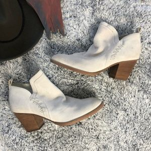 Sam Edelman Tan Suede Stitching Ankle Booties 10